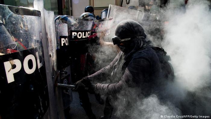 Mexiko Symbolbild Polizeigewalt