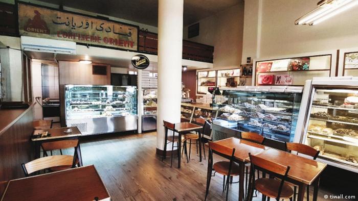 این کافه قنادی از جمله قنادیهای ارامنه تهران است که از حدود ۷۰ سال پیش، میزبان تهرانیهاست. شیرینی ناپلئونی و پروک دو شیرینی پرطرفدار و بینظیر این کافه قنادی هستند.