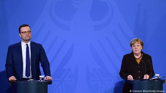 Berlin | Pressekonferenz: Angela Merkel und Jens Spahn zu AstraZeneca