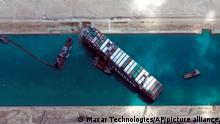 Ägypten | Schiff Ever Given im Suez Kanal