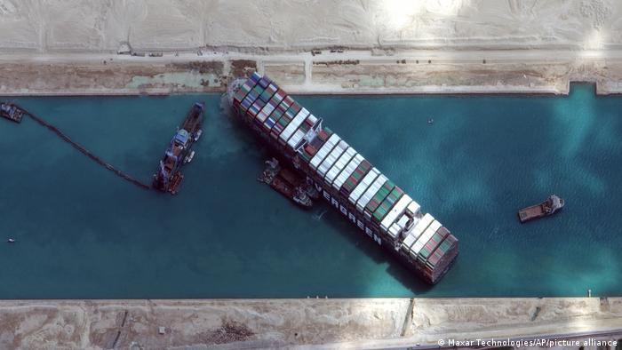Ever Given u Sueskom kanalu