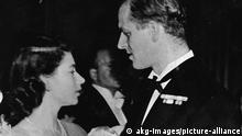 BG Prinz Philip Herzog Duke of Edinburgh | Elizabeth II. u Philipp beim Tanz 1947