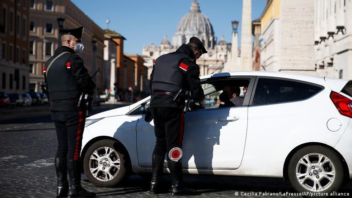 Italy: Rome police