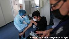Serbien Obrenovac | Corona Impfung von Migranten