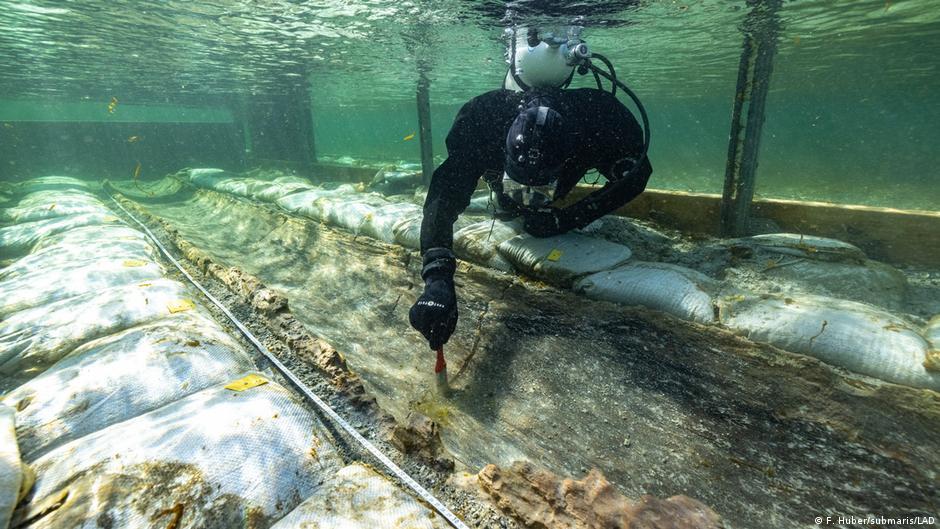 Los grandes lagos como el lago Constanza, cuyo perímetro recorre Alemania, Austria y Suiza, también son explorados por los arqueólogos submarinos