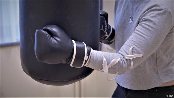 Belgian teenager in psychiatric hospital boxing