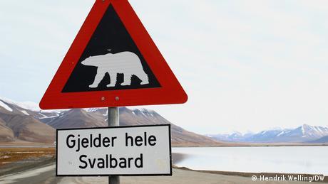 Norwegen   Verkehrsschild Spitzbergen Achtung Eisbären
