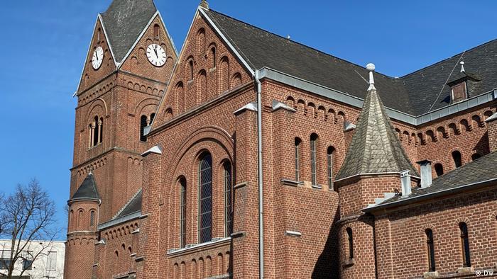 Католическая церковь в Лангенфельде