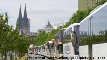 Tableau | Zeitreise deutsche Urlauber | Reisebusse in Köln 2015