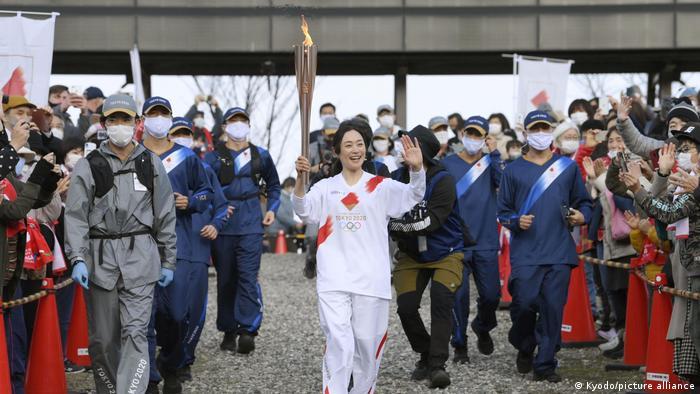 Japan Olympisches Feuer | Aiko Uemura in Hakuba in Nagano