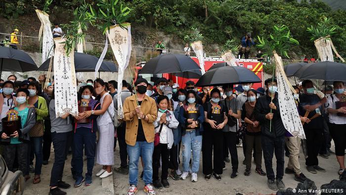 Taiwan I Zug mit 490 Personen entgleist