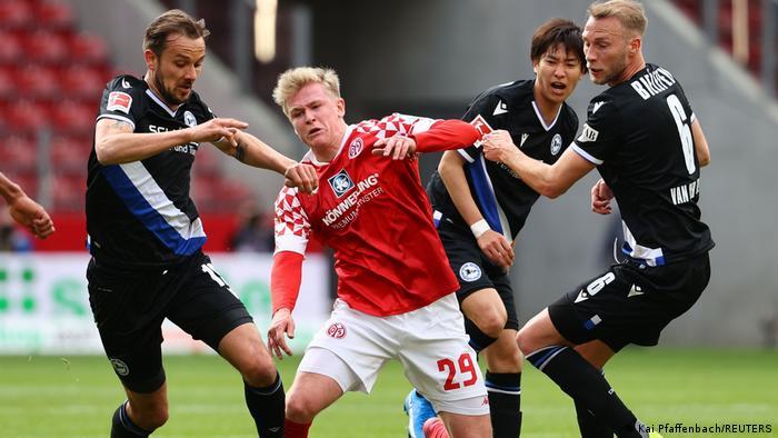Fußball Bundesliga I 1. FSV Mainz 05 v Arminia Bielefeld