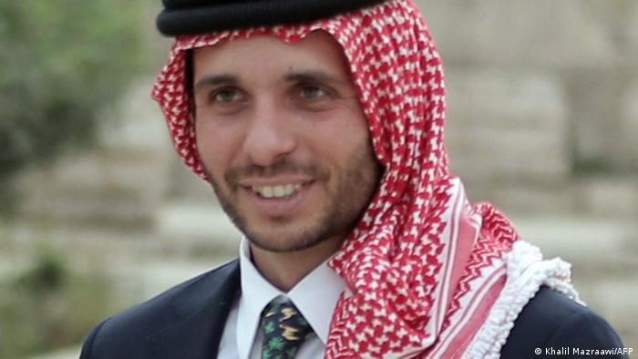 El príncipe Hamza, que desmiente las acusaciones en su contra.