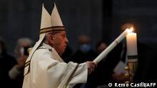 Vatikan I Papst feiert Osternacht