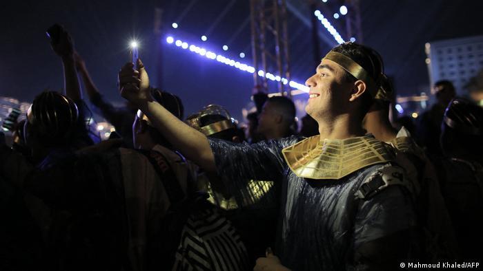 گردشگری یکی از مهمترین منابع درآمد مصر محسوب میشود. مقام های مصری امیدوارند که موزه جدید به احیای صنعت گردشگری مصر کمک کند. در موزه جدیدالتاسیس تمدن مصر با همکاری یونسکو ۵۰ هزار قطعه از مصر باستان جمعآوری شدهاند. درهای تالار مومیاییهای این موزه از تاریخ ۱۸ آوریل به روی بازدیدکنندگان گشوده خواهد شد.