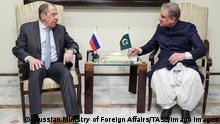 عکس آرشیف از دیدار وزیران خارجه پاکستان و روسیه