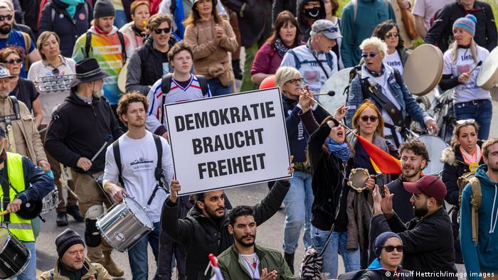 Deutschland Suttgart | Demonstration der Querdenker und anderen Gegner der Coronabedingten Einschränkungen