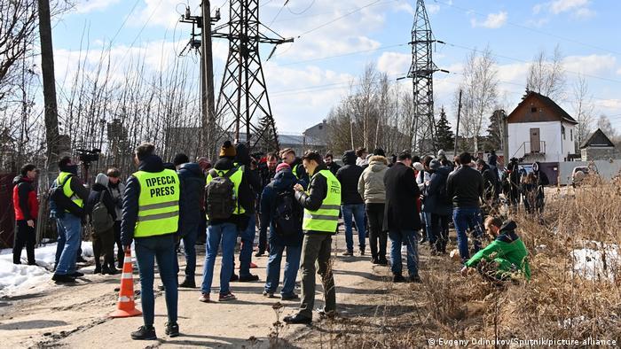 Журналисты у ИК-2 в Покрове