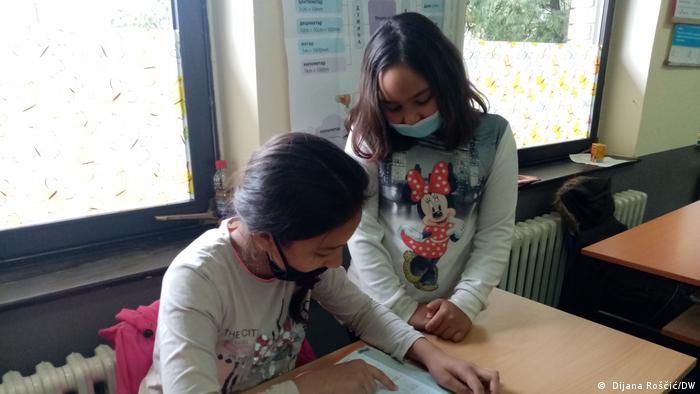 Serbien I Schule in Doroslovo