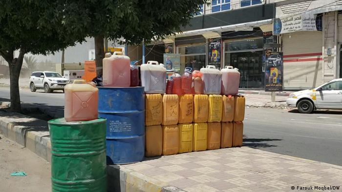 الحصول على المحروقات أصبح جزءا من معاناة اليمنيين اليومية
