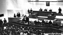 Adolf Eichmann 1961 vor Gericht