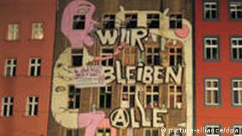 Police raid at Brunnenstrasse 183 in Berlin