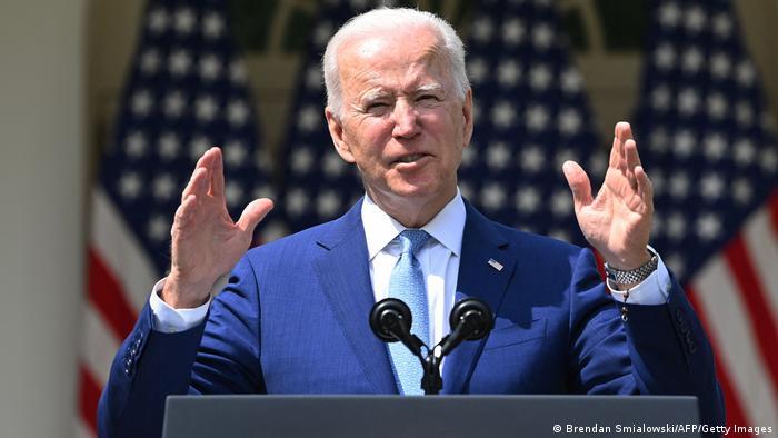 El presidente Joe Biden, va a retirar todas las tropas estadounidenses de Afganistán antes del 20 aniversario de los ataques del 11 de septiembre, para poner fin a la guerra más larga en la que ha estado involucrado el país. Asimismo, Biden desplegará 500 soldados más en Alemania, donde la presencia de tropas estadounidenses había sido cuestionada por el exmandatario Donald Trump (13.04.2021).
