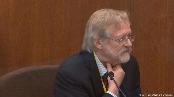 Der Sachverständige Martin Tobin vor Gericht