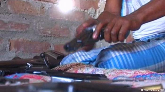 Indien Illegale Waffen Produktion in Munger Bihar