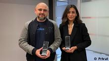 Ödül alan DW Türkçe muhabirleri Tunca Öğreten ve Fatima Çelik