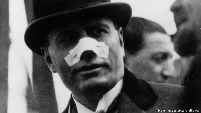 Una bala disparada por Violet Gibson rozó la nariz del dictador italiano Benito Mussolini en abril de 1926.