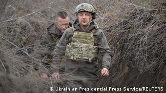 Volodimir Zelenski, presidente da Ucrânia, faz visita às tropas