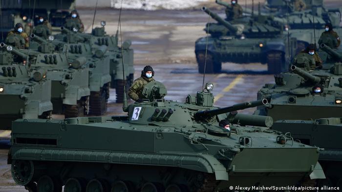 Російські танки, фото 9 квітня 2021 року
