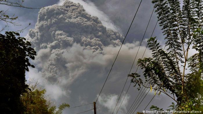 Soufrière Vulkan, Sankt Vincent und die Grenadinen