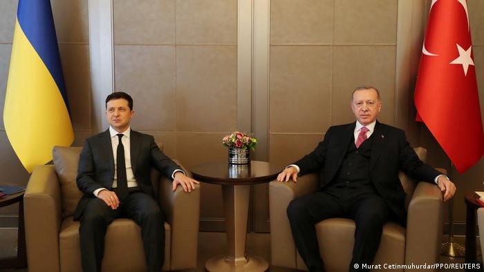 Президентите Зеленски и Ердоган по време на срещата им в Анкара на 10.4.2021