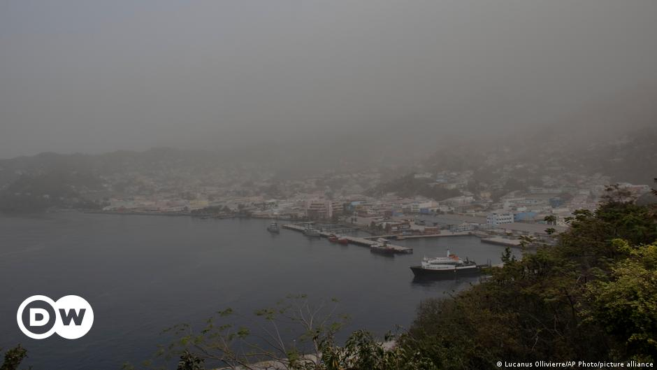 St. Vincent: Thick ash covers Caribbean island after volcanic eruption