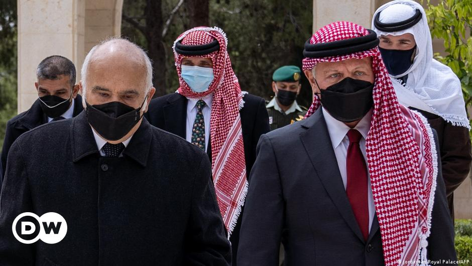 Jordan: Two officials face trial over plot against king