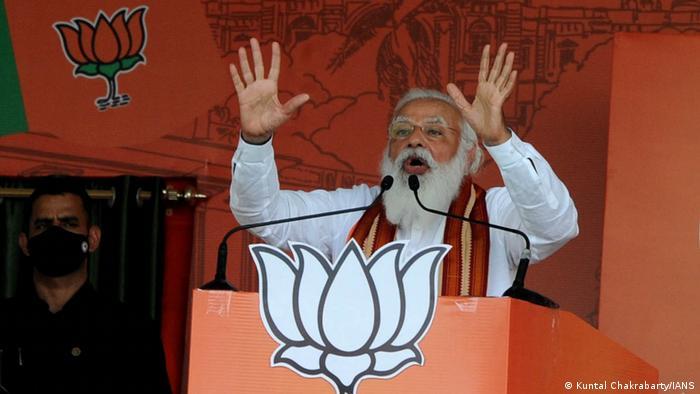 Le Premier ministre Narendra Modi est la cible des critiques pour sa gestion de la Covid-19