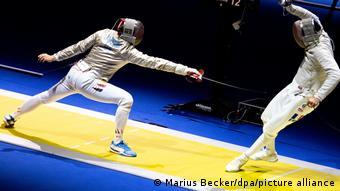 Action-Aufnahme von Schwertkämpfer Max Hartung
