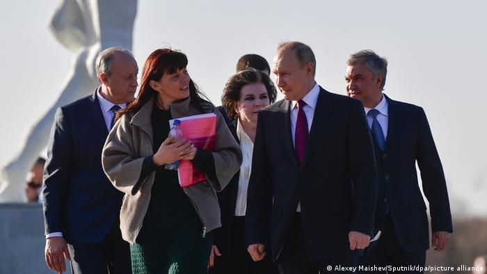 Vladimir Putin observes Cosmonautics Day