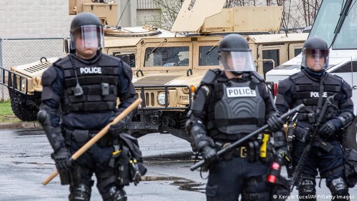 Полицейские в Бруклин-Сентере