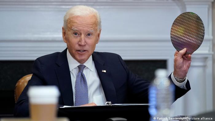 Joe Biden und Kamala Harris I American Jobs Plan