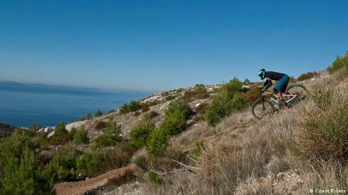 Cikloturizam s pogledom na Jadransko more...