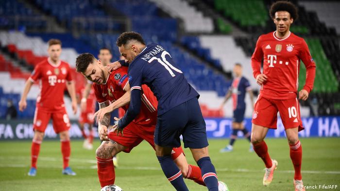 Neymar tries to get past Hernandez