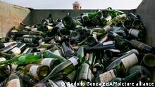 USA, Texas | Recycling von Weinflaschen