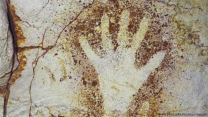 Stenciled Stone Age hand in the Cosquer Cave.