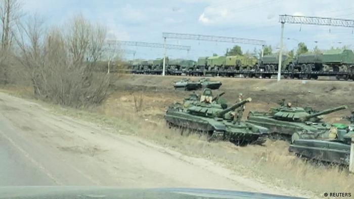 Russian tanks next to the Ukrainian border