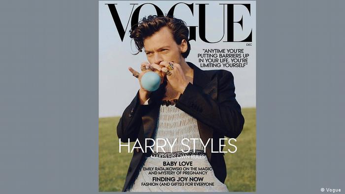 Harry Styles di sampul Vogue edisi November 2020