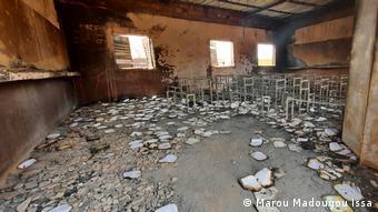 Une salle de classe après l'incendie