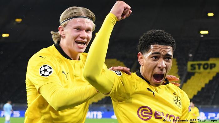 Jude Bellingham (r.) erzielt seinen ersten Treffer in der Champions League